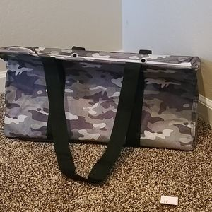 Large utility tote